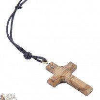 Colliers avec pendentif en bois